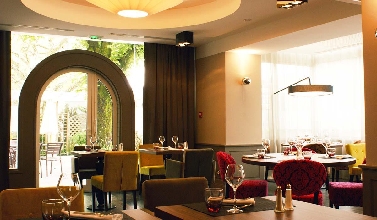 Restaurant h tel aix les bains auberge st simon - Restaurant la folie des grandeurs aix les bains ...